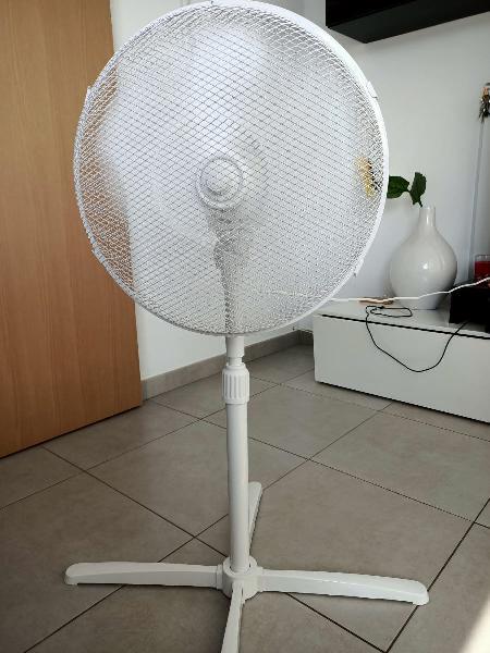 Ventilador/ verano/casa/hogar