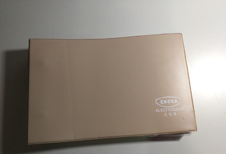 Carpeta archivador con 40 fichas de electricidad e.g.b.
