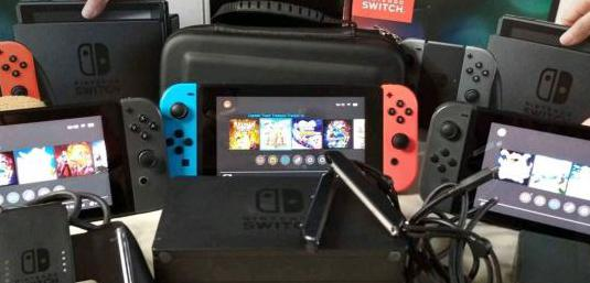 Consolas switch gris y neon