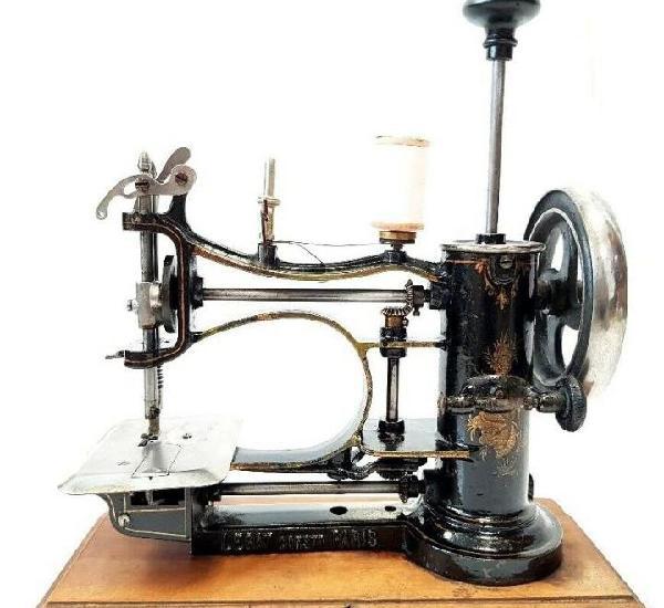 Rarisima maquina de coser avrial legat de embolo rare