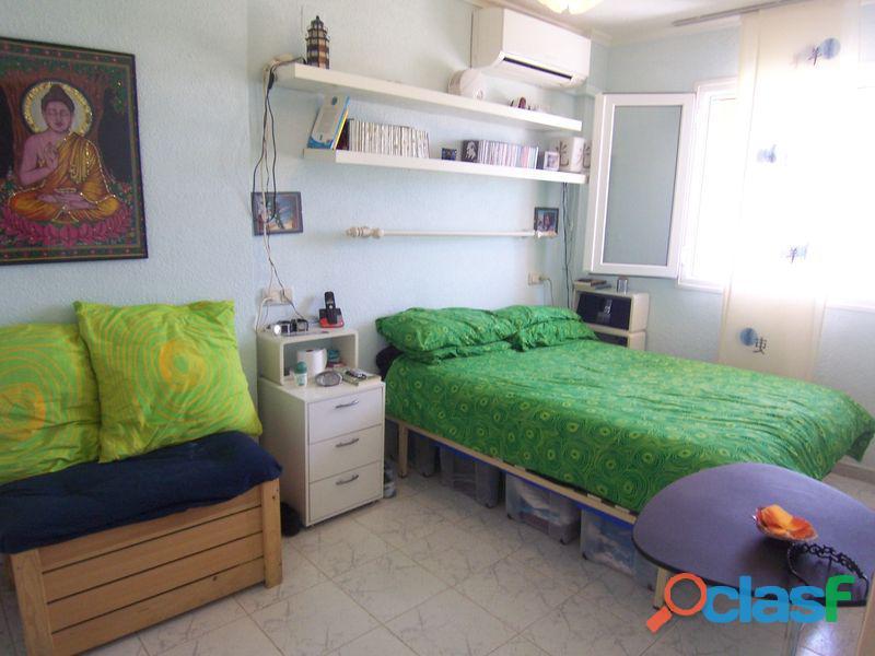 Apartamento a 150m de la Playa de La Mata con Garaje Cerrado 3