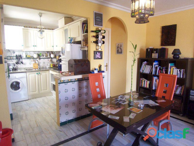 Apartamento a 150m de la Playa de La Mata con Garaje Cerrado 5