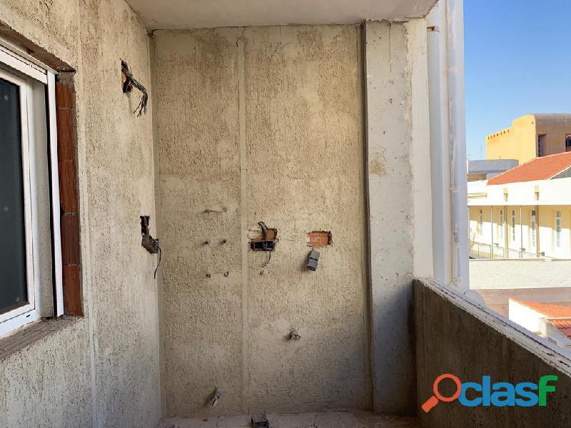 Apartamento Sin Terminar en Centro de Torrevieja a una calle de la Plaza del Ayuntamiento 2