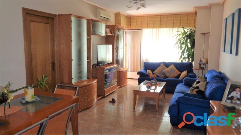 Espacioso Apartamento en Centro de Torrevieja a 400 metros de la Playa de Acequión con Garaje 1