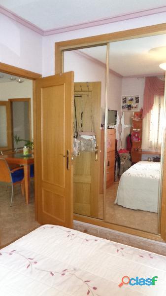 Espacioso Apartamento en Centro de Torrevieja a 400 metros de la Playa de Acequión con Garaje 5