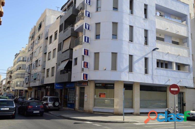 Fantástico Ático con Solárium Privado de 40 m² y Garaje en Pleno Centro de Torrevieja