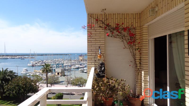 Precioso Apartamento con Vistas Laterales al Mar en Torrevieja, 150m Playa Acequión