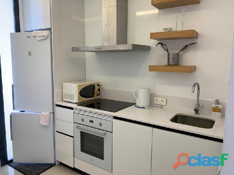 Precioso Apartamento Semi  Nuevo con Piscina Comunitaria en Orihuela Costa 2