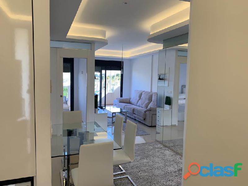 Precioso Apartamento Semi  Nuevo con Piscina Comunitaria en Orihuela Costa 4