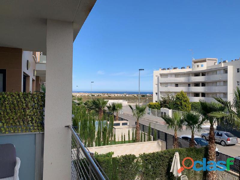 Precioso Apartamento Semi  Nuevo con Piscina Comunitaria en Orihuela Costa 9