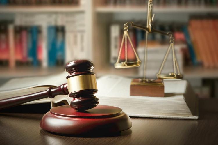 Abogado especialista en derecho penal y civil