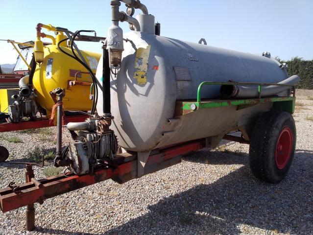 Cuba o cisterna de acero compar de 4.000 litros. -
