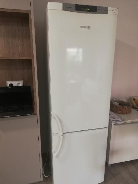 Nevera con congelador (fagor) ****