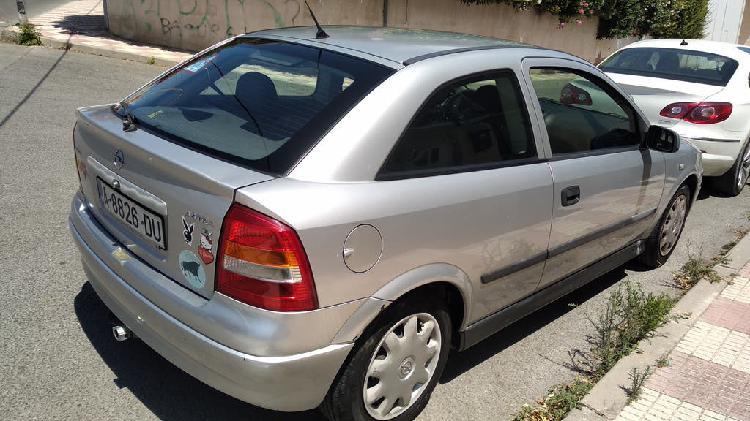 Opel astra 1.6 16v 100 comfort 2000