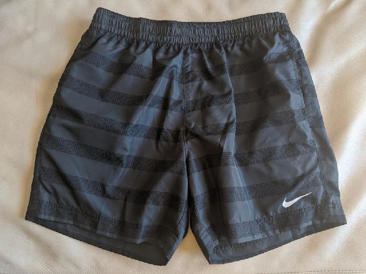 Pantalón corto nike + doymos (talla m amplia)