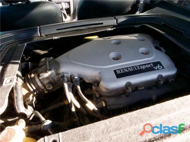 Renault Clio 3.0 V6 Sport 1