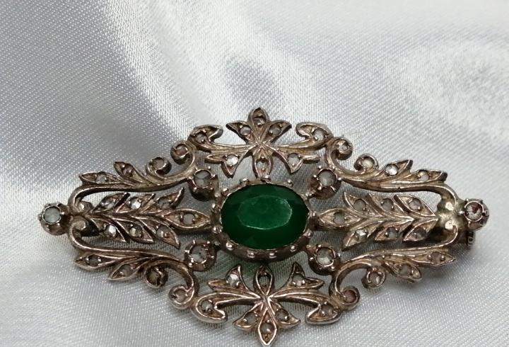 Broche plata diamantes y esmeralda