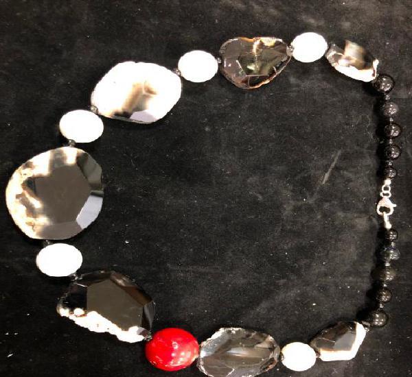 Collar piedra natural agata y bola de coral con cierre plata