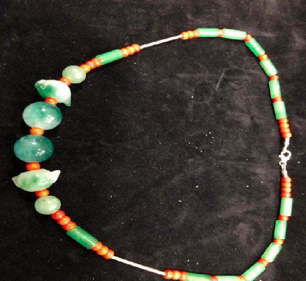 Collar piedra natural cuarzo verde, coral y plata de ley 925