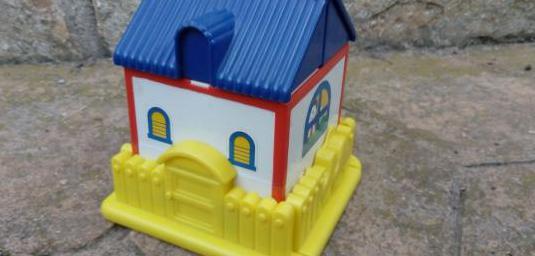 Juguete casa pequeña formas encajables