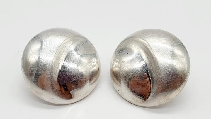 Magníficos pendientes antiguos de diseño en plata de ley