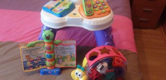 Mesa de luces y sonidos y juguetes