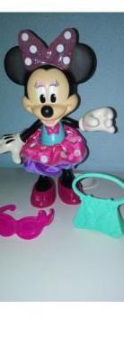 Minnie parlanchina