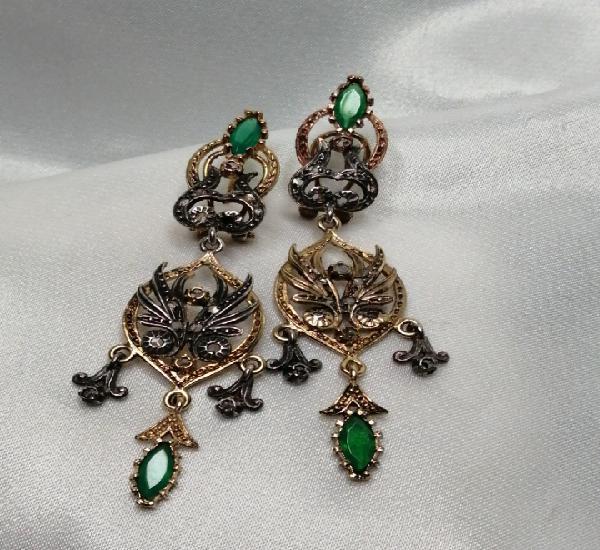 Pendientes plata dorada diamantes y esmeraldas