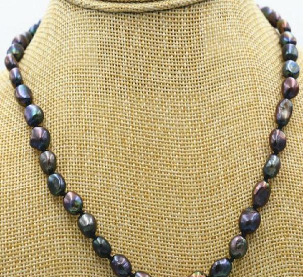 Precioso collar de perlas barrocas australianas moradas