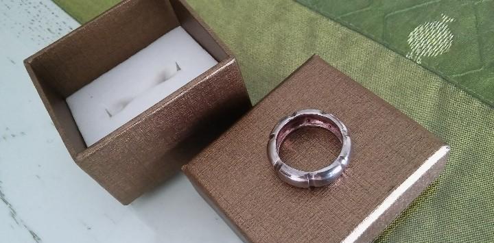 Vintage anillo plata esmaltada a estrenar.