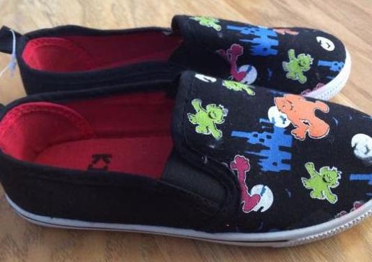 Zapatillas niño n 31. nuevas