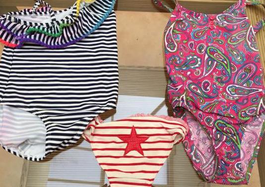 Bañadores y ropa niña