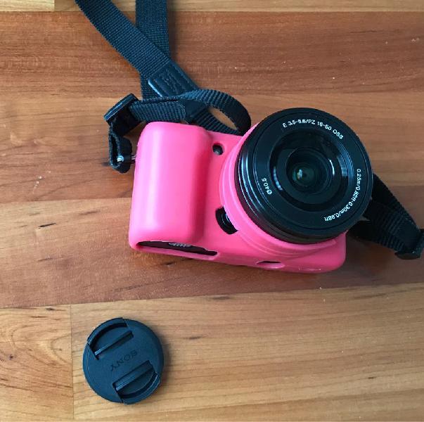 Cámara fotos sony alpha 5000