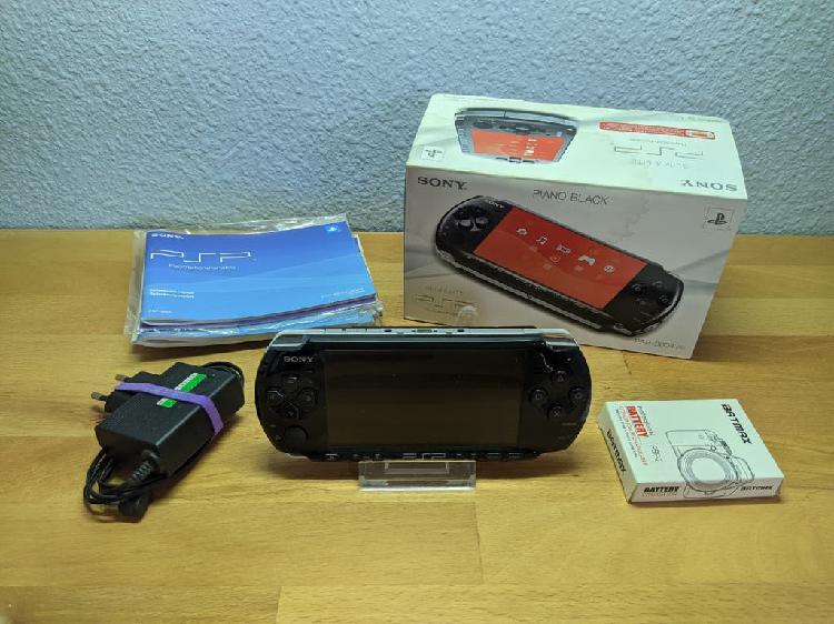 Sony psp 3004 - completa en caja