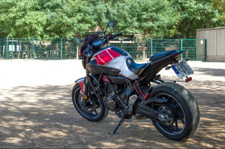 Yamaha mt07 2017 (limitada sólo por papeles)