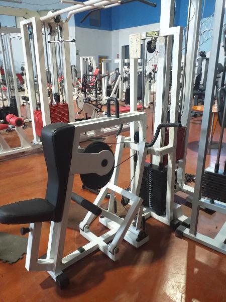 Sala completa de gimnasio por cierre