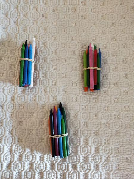 Lapices de cera, plastidecor, material escolar