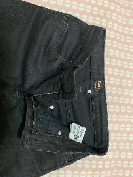 Pantalon lee negro