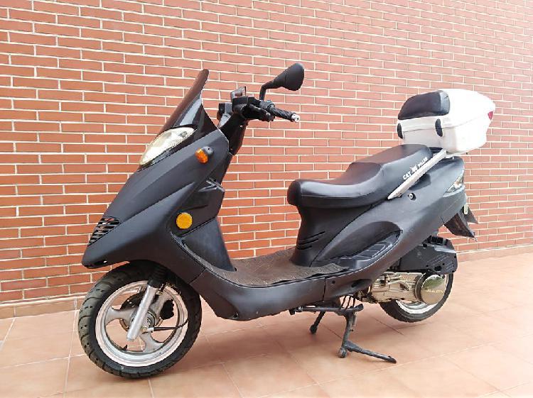 Scooter 125 c.c.