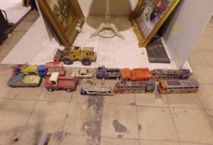 Lote numero 3 camiones coche escavadora tipo rico gozan