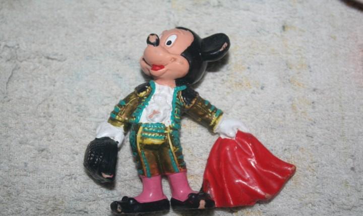 Muñeco mickey mouse torero bullyland
