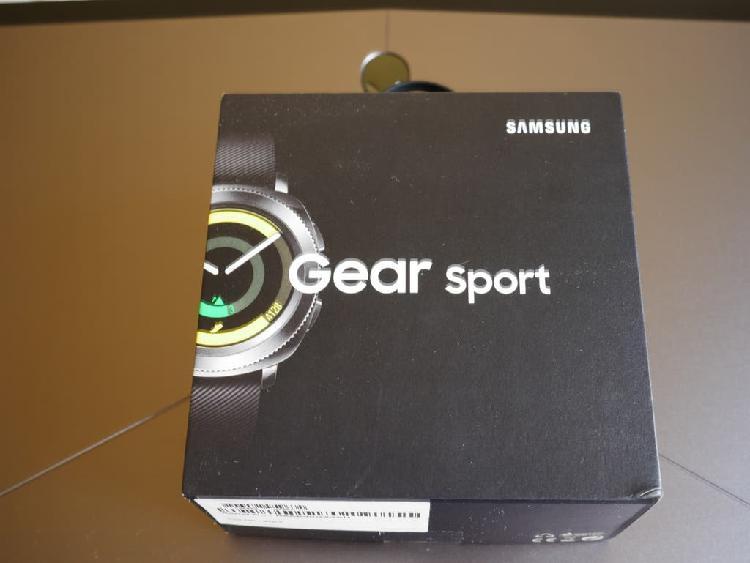 Reloj samsung galaxy gear sport en caja