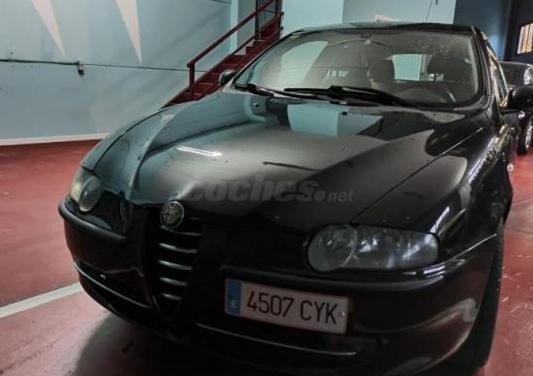 Alfa romeo 147 1.6 ts 105cv distinctive 3p.