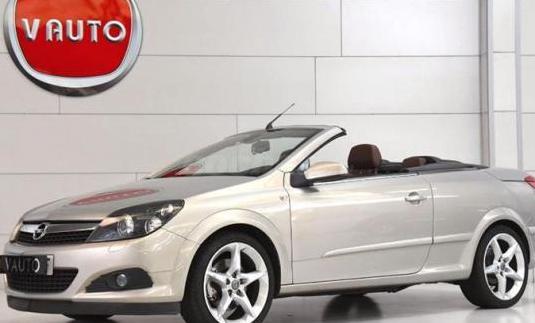 Opel astra twin top 2.0 turbo cosmo 2p.