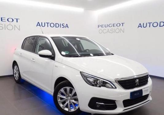 Peugeot 308 5p style puretech 110 ss 6vel man 5p.