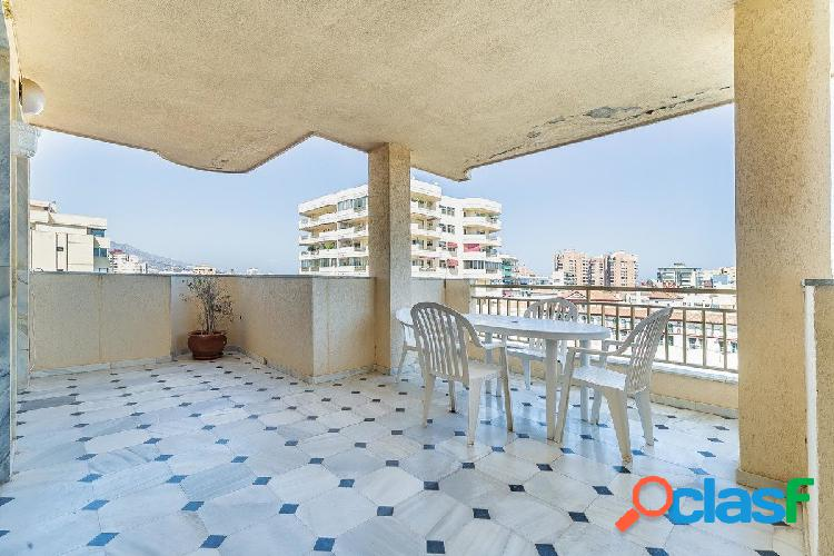 Amplio apartamento en séptima planta en fuengirola centro con amplia terraza