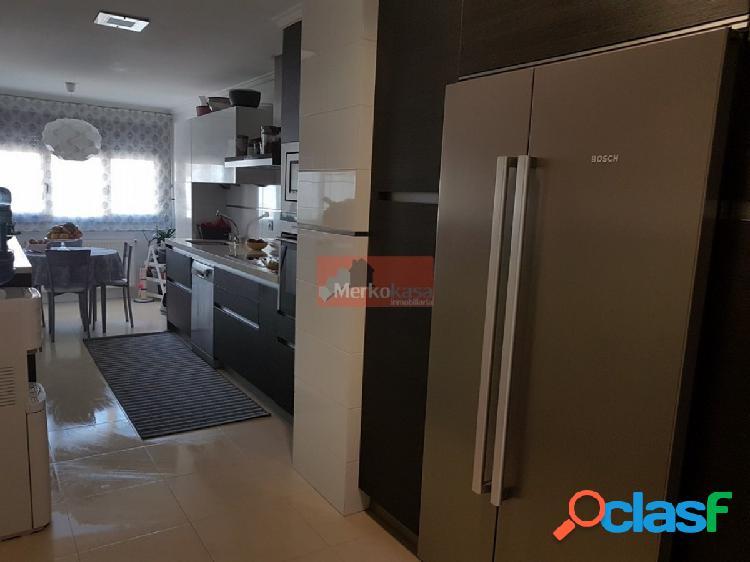 Se vende precioso piso de 4 dormitorios próximo al centro!!!!!! 1