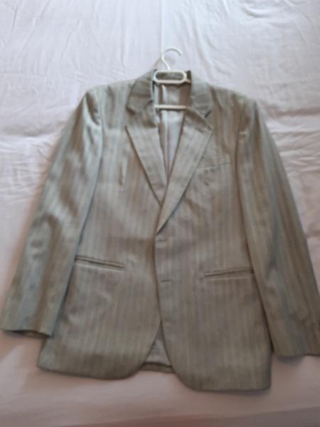 Chaqueta de vestir de traje color gris claro