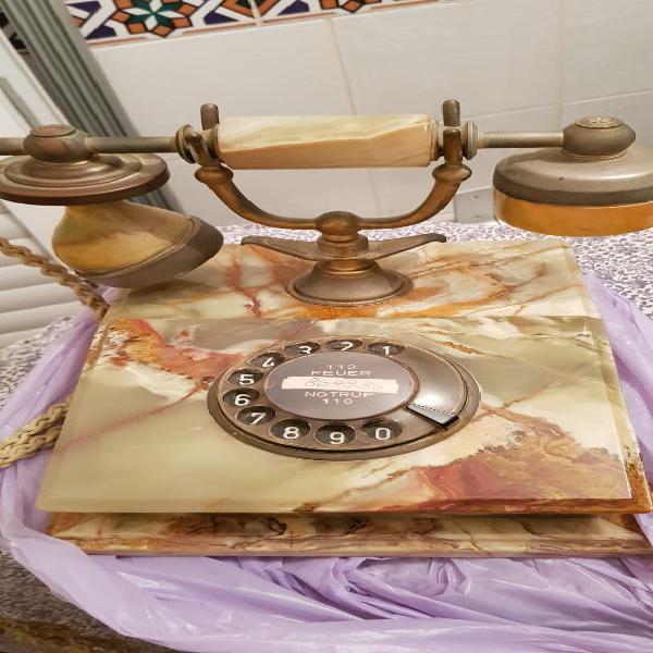 Teléfono vintage de mármol antiguo