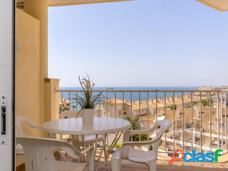 Precioso apartamento en Cabo Roig con magníficas vistas al mar.